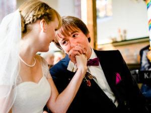 Brautpaar in der Kirche in Jork, Altes Land