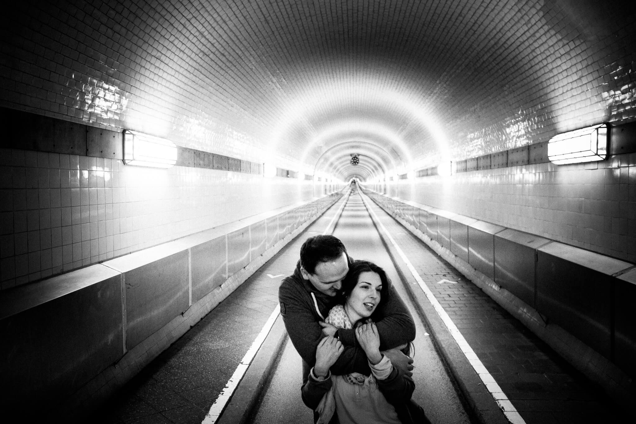 Engaged Couple, Paarshooting, ALter ELbtunnel, Hamburg