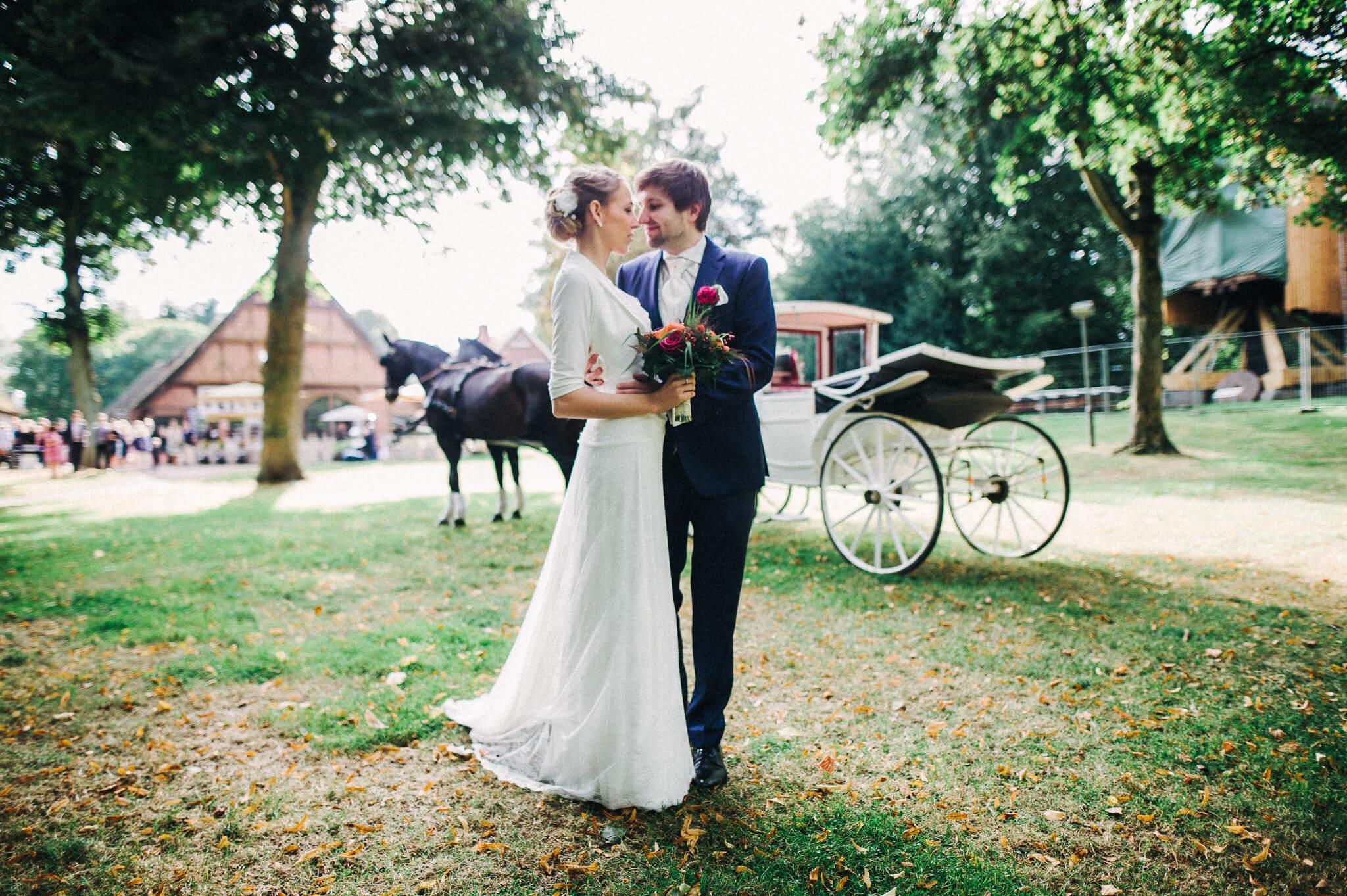 Brautpaar mit Kutsche, Insel Stade