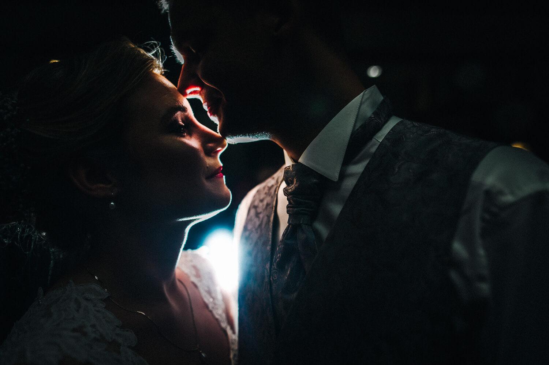 Brautpaar im Hotel Altes Land Jork am Abend